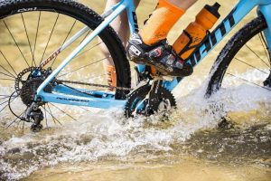 The accurate Verve InfoCrank M30 being ridden through water