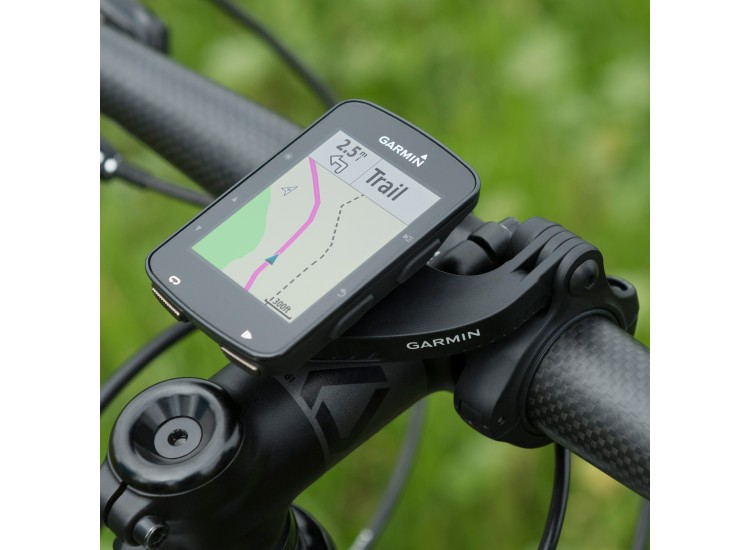 Garmin Edge 520 Plus mounted on a bike
